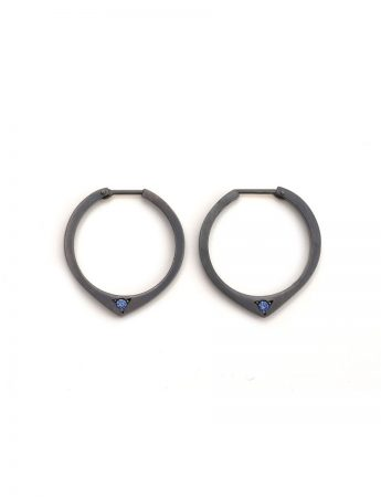 Black Knife Edge Hoop Earrings - Blue Sapphires