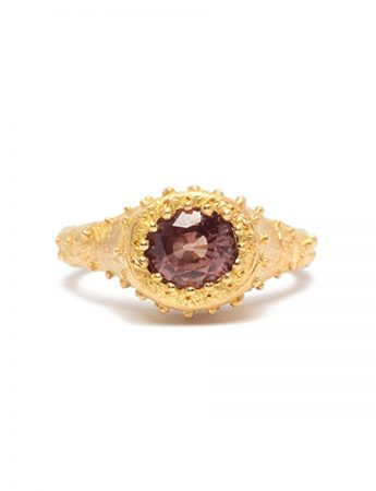 Ekur's Heart Ring - Yellow Gold & Garnet