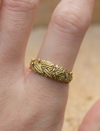 Spica's Garland Ring - Yellow Gold & Diamond