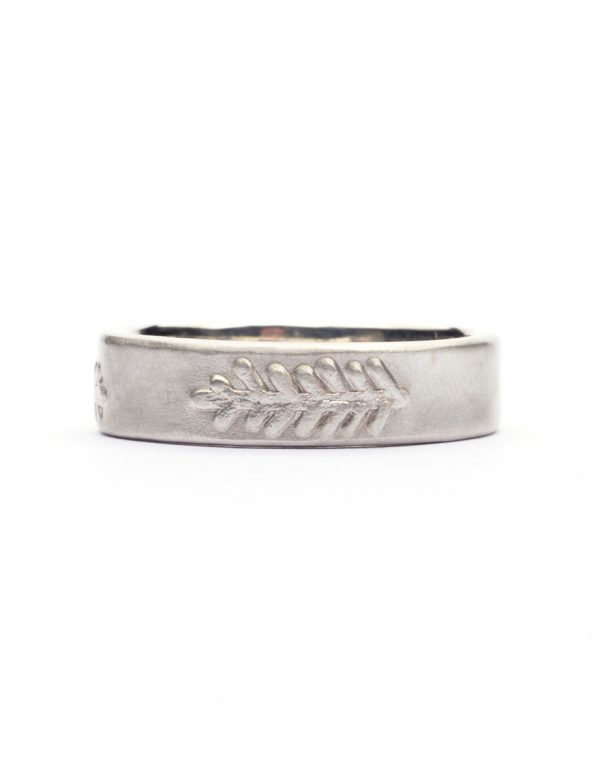 Canyon Feather Ring – Silver