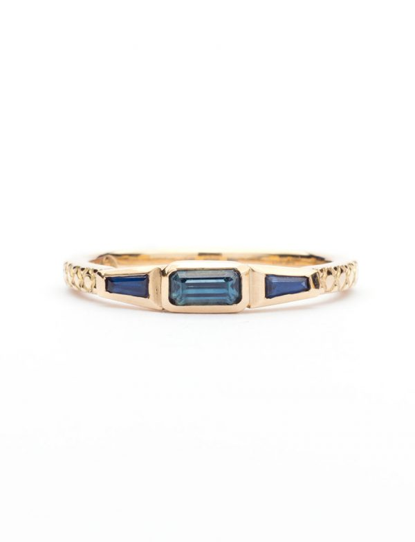 Trilogy Ring – Blue Sapphire