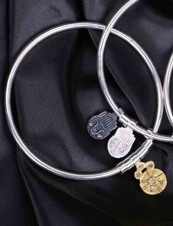 Offering Bangle with Inner Light Charm - Gold