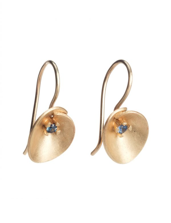Small Water Lily Earrings – Gold & Sapphire